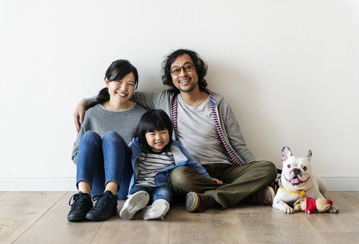 Asian family buy new condo 2