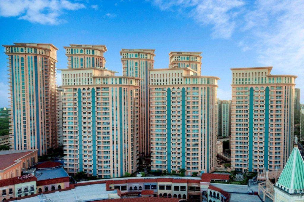 City Life: 7 Benefits of Urban Living